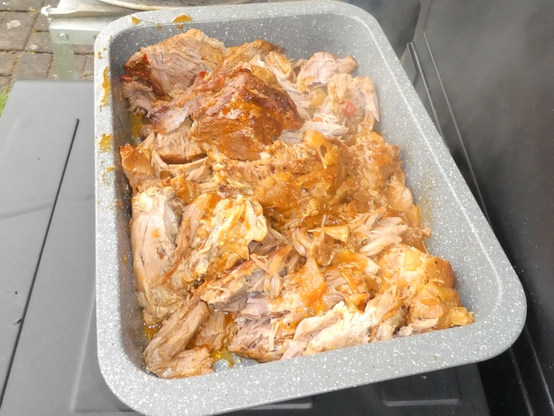 Pulled Pork mit Brühe